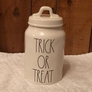 Rae Dunn 'Trick or Treat' Canister